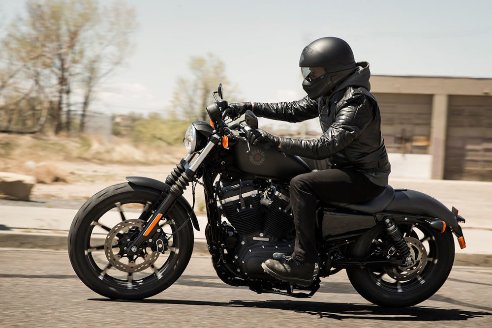 Iron 883<sup>™</sup> Instagram image 1