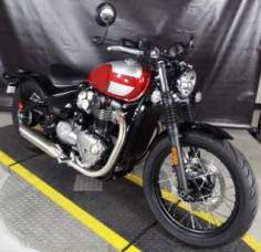 2019 Bonneville Bobber - 1200cc Cranberry Red / Frozen Silver