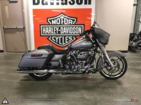 **PRICE REDUCED**  2018 Harley-Davidson Street Glide <sup>®</sup> thumb 3