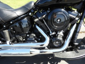 2018 HD FLHC - Softail Heritage Classic thumb 2