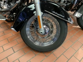 2017 HD FLSTC - Softail Heritage Softail<sup>®</sup> Classic thumb 3