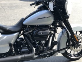 2019 Street Glide Special thumb 0