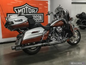 FLHTKSE 2014 CVO™ Electra Glide Ultra Limited® thumb 2