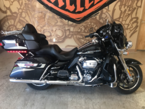 ** 2019 H-D FLHTK Ultra Limited ** thumb 3