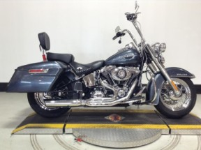 2015 Harley-Davidson  Heritage Softail<sup>®</sup> Classic FLSTC thumb 3