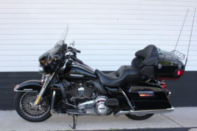 2012 HARLEY-DAVIDSON® FLHTK Electra Glide<sup>®</sup> Ultra Limited thumb 0
