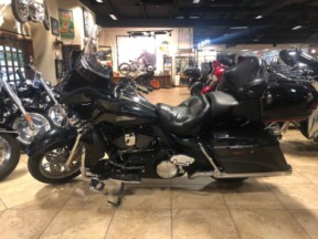 2013 CVO Ultra Classic Electra Glide thumb 3