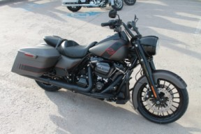 2019 HARLEY-DAVIDSON® Road King<sup>®</sup> Special  FLHRXS thumb 2