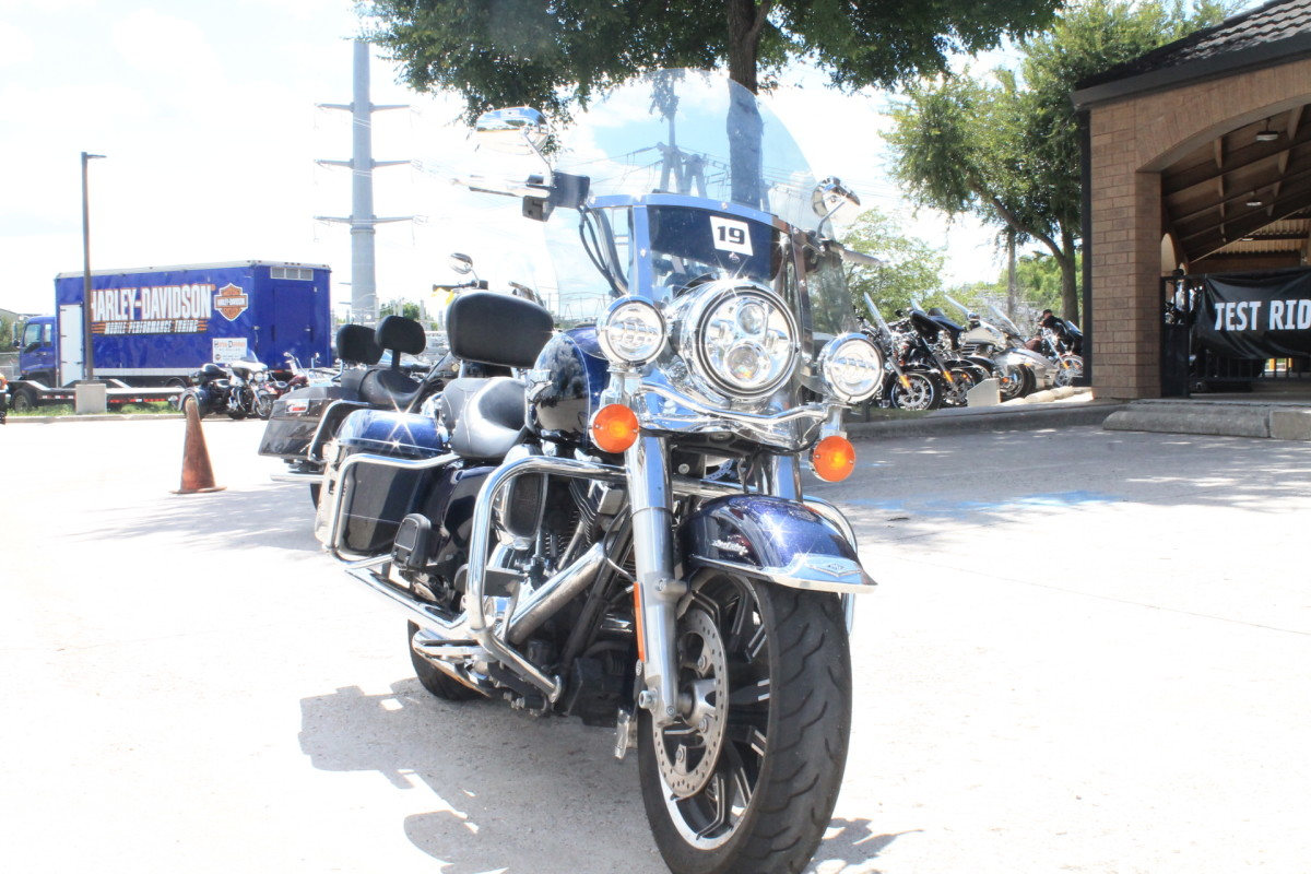 2014 HARLEY-DAVIDSON® ROAD KING®  FLHR