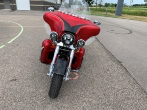 2007 CVO™ Ultra Classic Electra Glide - FLHTCUSE2 thumb 2