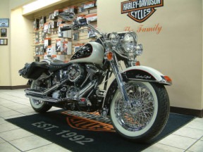 1993 Harley-Davidson® Softail® Deluxe thumb 3