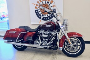 2019 Road King in Wicked Red / Twisted Cherry thumb 2