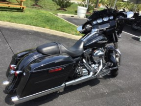 2015 Harley-Davidson® FLHXS - Street Glide® Special thumb 3