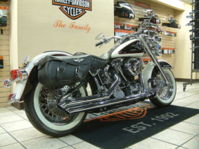 1993 Harley-Davidson® Softail® Deluxe thumb 2