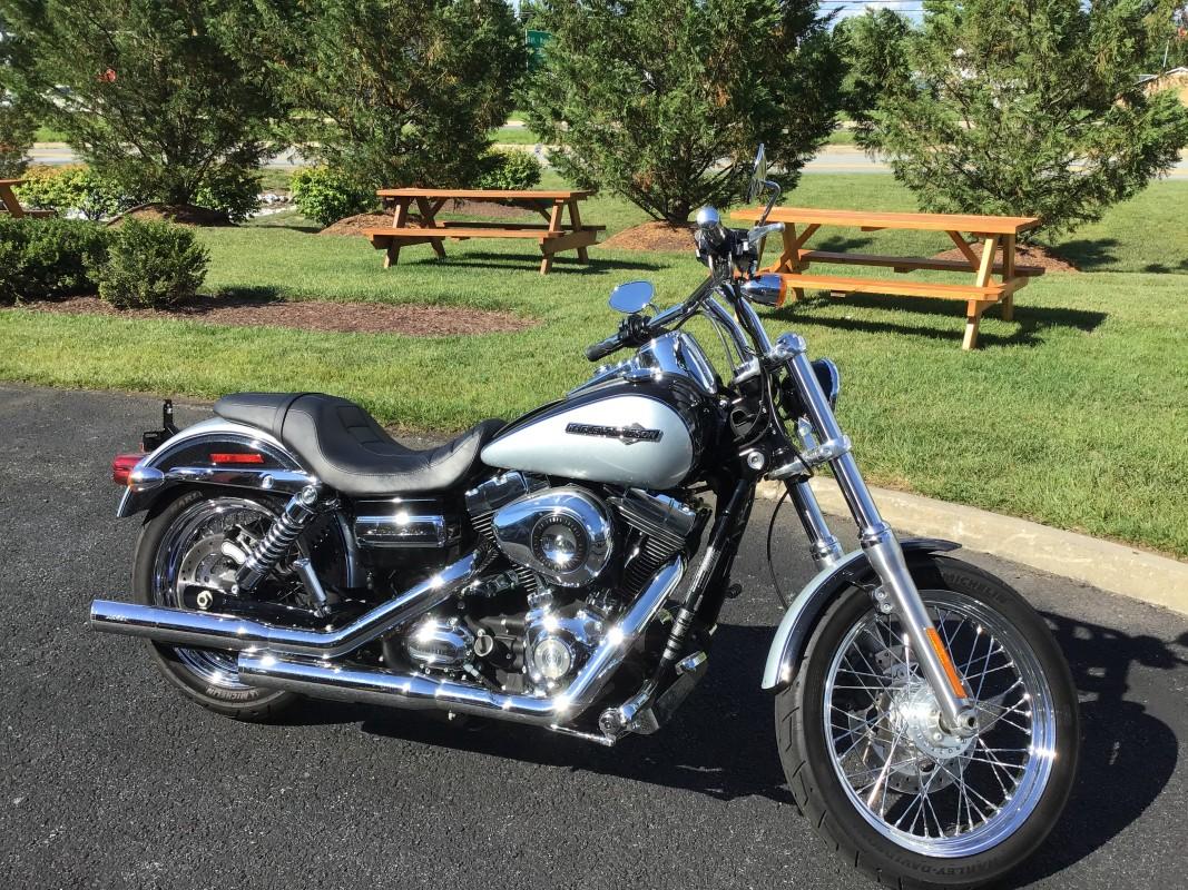2009 FXDC - SUPER GLIDE CUSTOM   Old Glory Harley-Davidson®