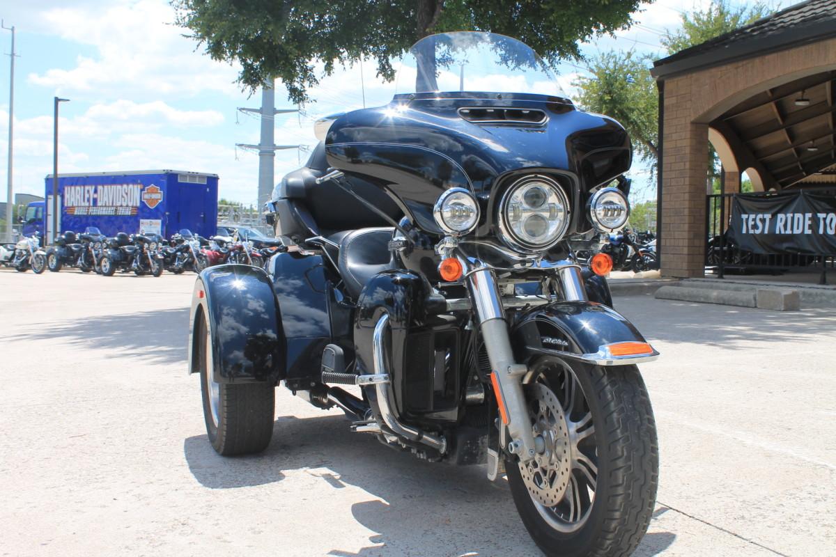 Harley Davidson Tri Glide >> 2015 Harley Davidson Tri Glide Ultra Flhtcutg