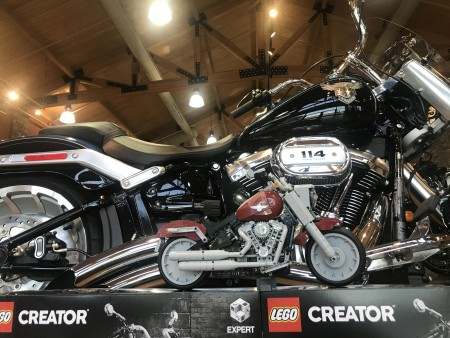LEGO Creator Expert Harley-Davidson Fat Boy Building Kit