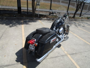 2015 HD FLD - Dyna Switchback<sup>™</sup> thumb 2