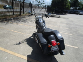 2015 HD FLD - Dyna Switchback<sup>™</sup> thumb 1