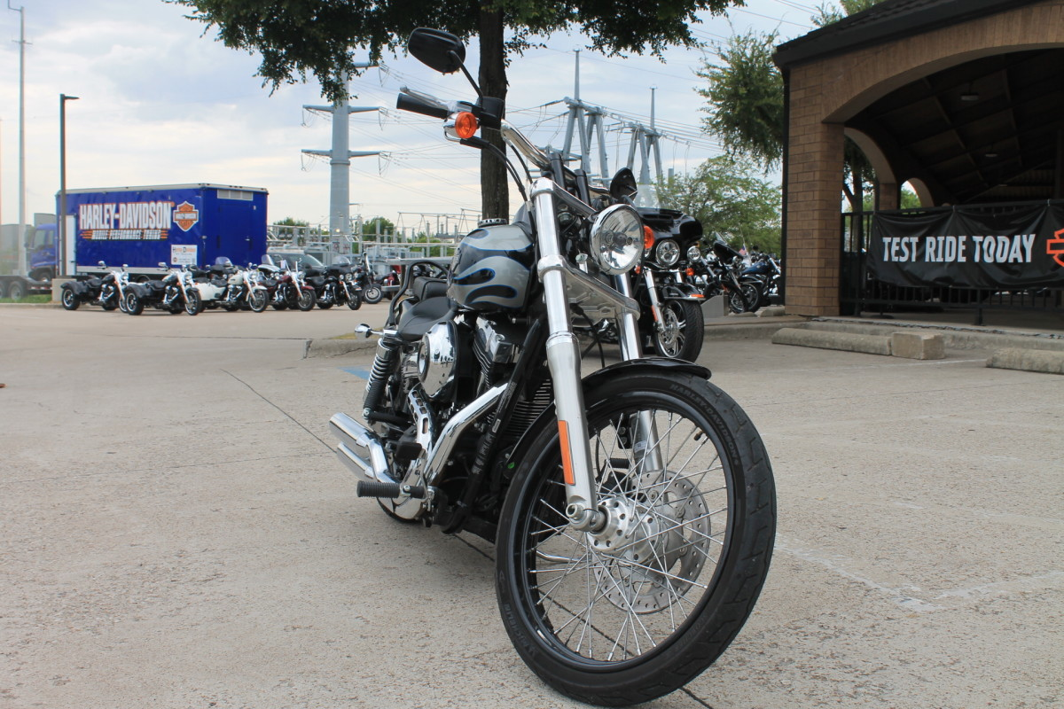 2013 HARLEY-DAVIDSON® Wide Glide<sup>®</sup>  FXDWG
