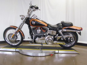 2008 Dyna Wide Glide 105th Anniversary FXDWG ANV thumb 2