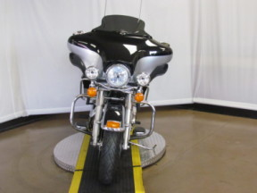 2012 Electra Glide Ultra Limited FLHTK thumb 2