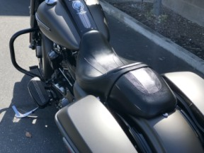 2020 Road King Special thumb 1