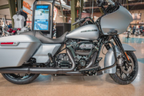 2020 Road Glide Special thumb 2