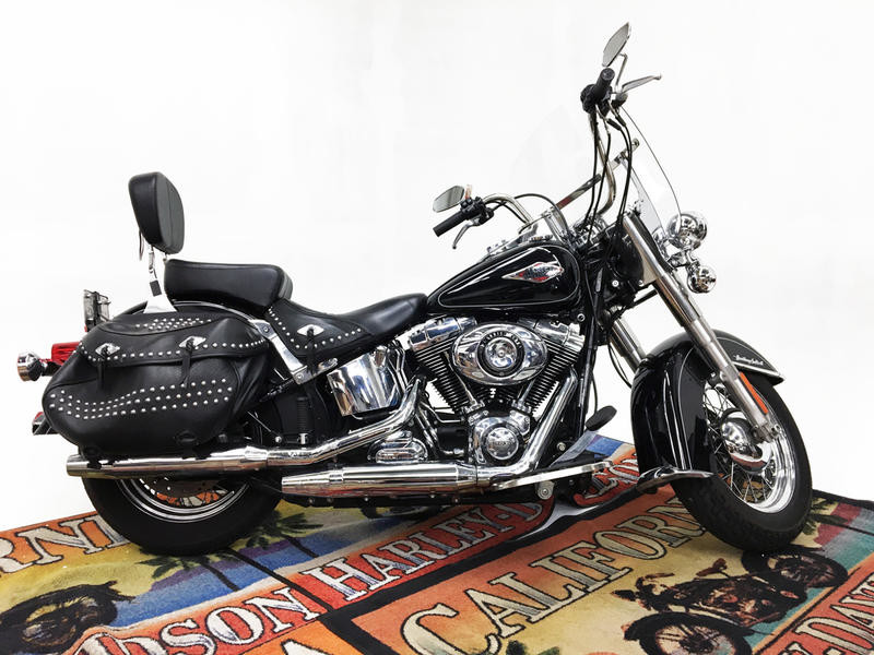 FLSTC  2015 Heritage Softail<sup>®</sup> Classic