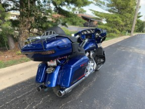 2020 FLHTKSE CVO™ Electra Glide Ultra Limited thumb 2
