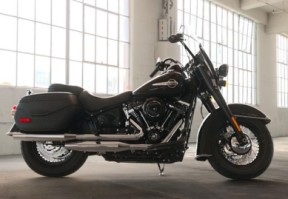 2019 Harley-Davidson FLHC Softail Heritage Classic thumb 3