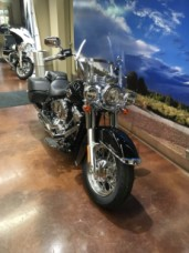 2020 HD Heritage Softail Classic thumb 3