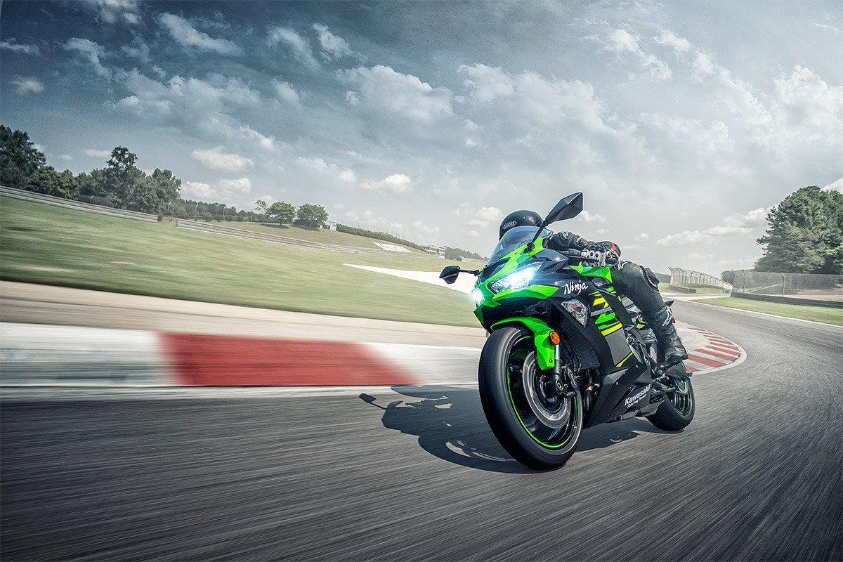 2019 Ninja<sup>®</sup> ZX™-6R ABS KRT Edition Instagram image 5