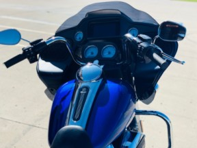 FLTRX 2019 Road Glide<sup>®</sup> thumb 3