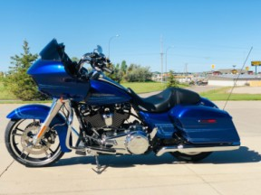FLTRX 2019 Road Glide<sup>®</sup> thumb 2