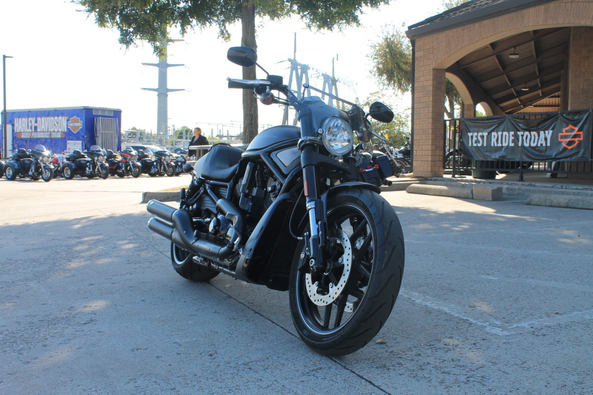 2016 HARLEY-DAVIDSON® V-ROD NIGHT ROD®  VRSCDX