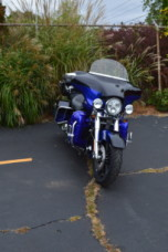 2011 HARLEY-DAVIDSON FLHTCUSE CVO™ Ultra Classic® Electra Glide® thumb 2