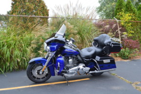 2011 HARLEY-DAVIDSON FLHTCUSE CVO™ Ultra Classic® Electra Glide® thumb 0