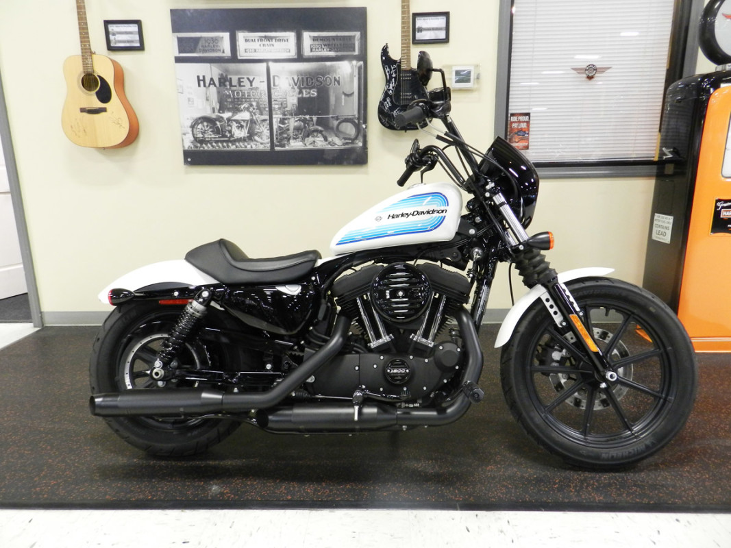 SPORTSTER® IRON 1200 (XL1200NS)