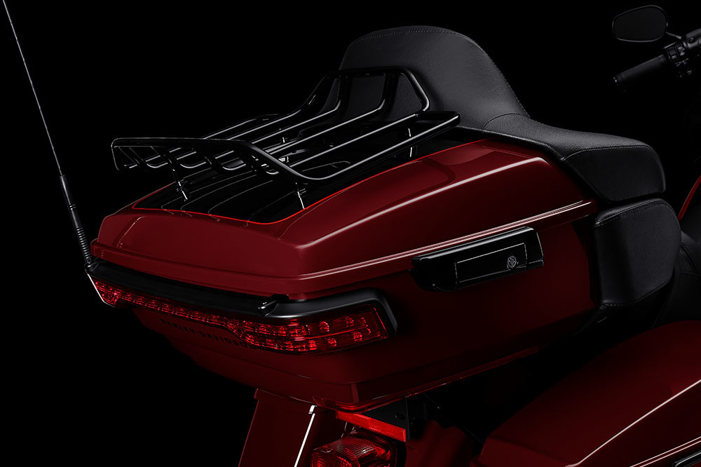 Road Glide<sup>®</sup> Limited – Black Option Instagram image 3