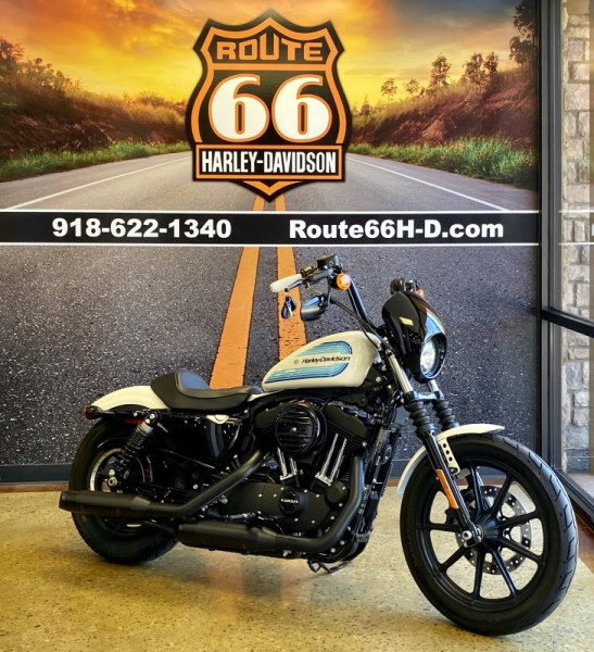 Billiard White 2018 Harley-Davidson 1200 Iron XL1200NS