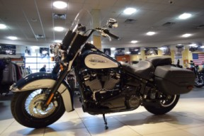 2019 Harley-Davidson FLHCS Softail Heritage Classic 114 thumb 2
