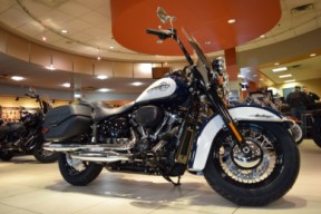 2019 Harley-Davidson FLHCS Softail Heritage Classic 114 thumb 1
