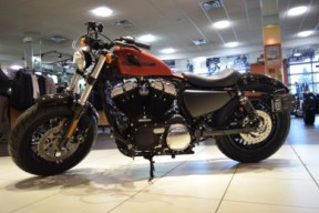 2019 Harley-Davidson Sportster XL1200X Forty-Eight thumb 2