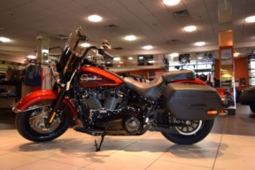 2019 Harley-Davidson FLHCS Softail Heritage Classic 114 thumb 3