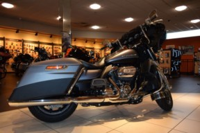 2017 Harley-Davidson Touring FLHTK Ultra Limited thumb 0
