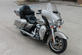 sold  2018 HARLEY-DAVIDSON® Electra Glide<sup>®</sup> Ultra Classic<sup>®</sup>  FLHTCU thumb 1