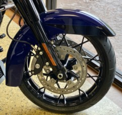 Zephyr Blue/Black Sunglo 2020 Harley-Davidson® Road King® Special FLHXS  thumb 3