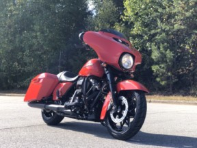 FLHXS 2020 Street Glide<sup>®</sup> Special thumb 2