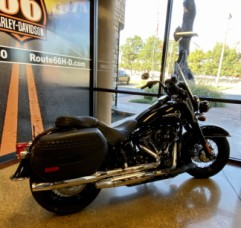 Black W/Pinstripe 2020 Harley-Davidson® Heritage Classic 114 FLHCS thumb 0